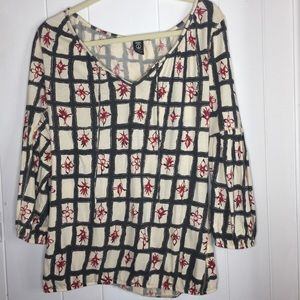 Lucky long sleeve top size Large black and red